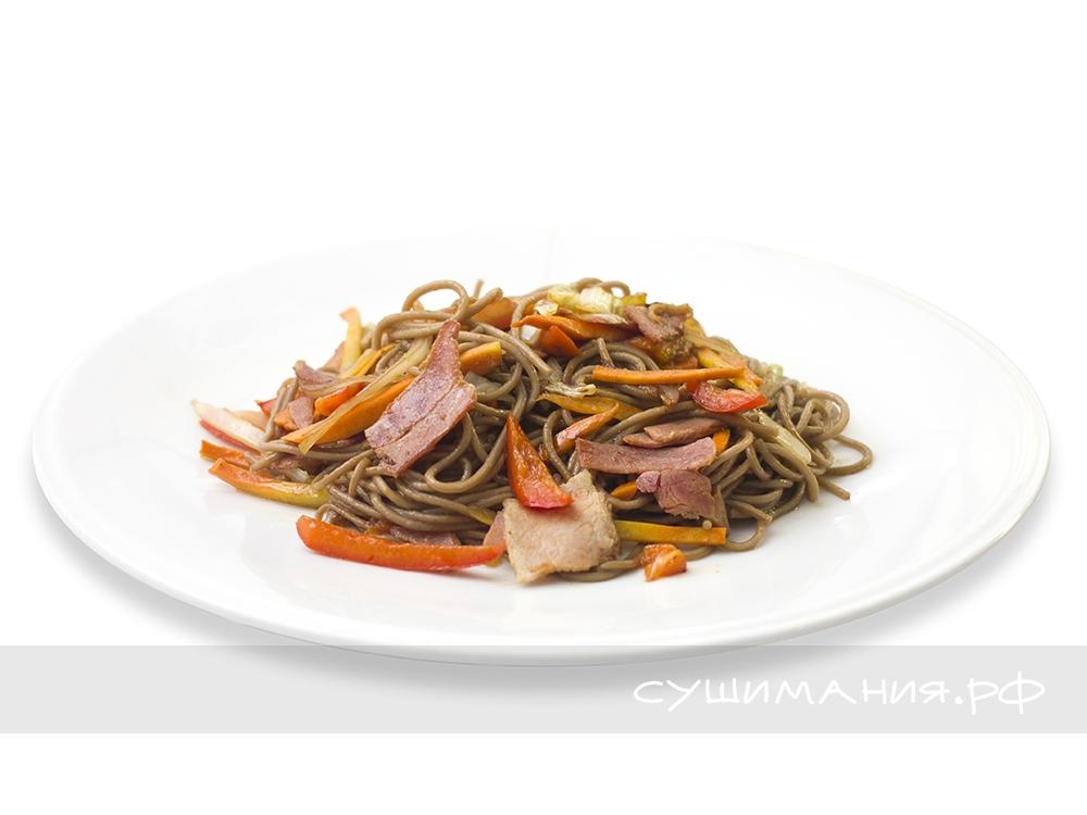 Китайская лапша с беконом острая